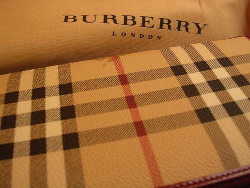 lavoro-in-burberry